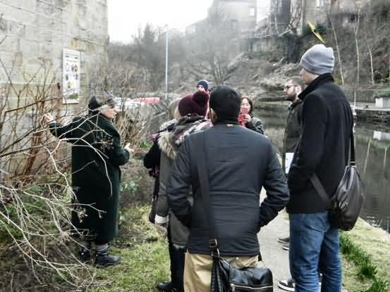planning students from Leeds met look at tow path planting