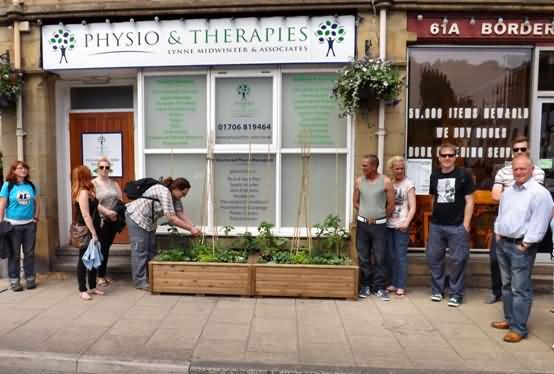 visitors check out Physio & Therapies new food to share beds
