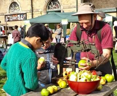 Richard demonstrates apple peeling old style