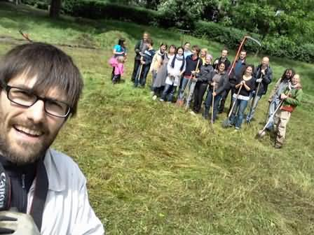 Jullien Pilette and colleagues about to dig a very big IE Sprout in a field in Lille